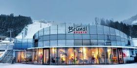 AreitXpress Talstation Bründl Sports Shop direkt neben dem Skilift- Winteraufnahme <br/>
