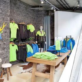 Textilabteilung im Bruendl Sports Flagshipstore Sommer 2019