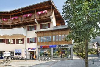 Intersport Bründl Alpenhaus Außenansicht