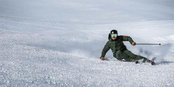 Marcel Hirscher beim Skifahren mit VAN DEER Ski