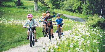 Cube Kinder beim Fahrradfahren
