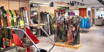 Bründl Sports Saalbach Zentrum - Alpine Skis and Ski Poles