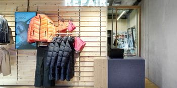 Our tailor shop at the Bründl Sports flagship store is always ready for your alterations.