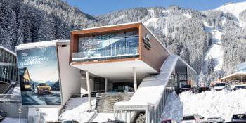 Schmittenhöhenbahn Valley Station Winter