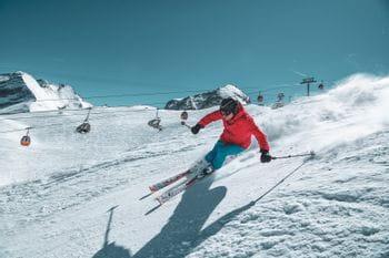 Wolfgang Rudigier skiing at the Kitzsteinhorn