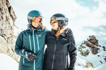 Eva Walkner und Manuela Mandl mit den Julbo ONELINE Skibrillen