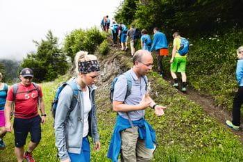 Mitarbeiter beim Wandern