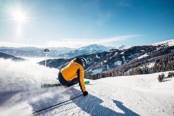 ein Skifahrer auf der Schmittenhöhe