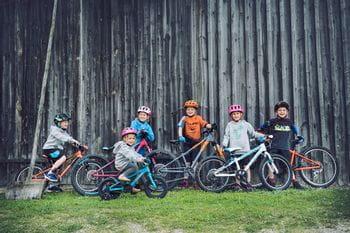 Cube Kindergruppe mit Mountainbikes