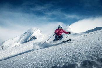 Sportlicher Skifahrer