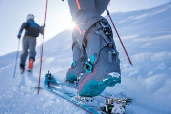 illustration of a skitouring boot
