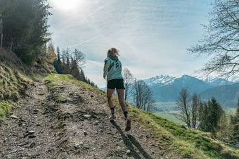 Adidas Trailrunning Marie beim Laufen auf den Keilberg