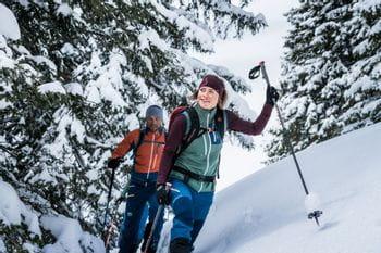 Eine Skitour durch die verschneite Winterlandschaft