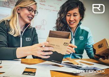 Ortovox PROTACT zwei Ortovox-Mitarbeiterinnen beim Arbeiten im Büro
