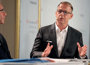 Gernot Schweizer bei einem Vortrag in Wien