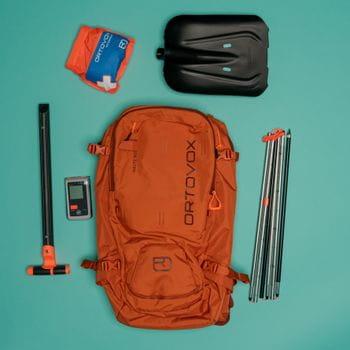 Skitourenrucksack packen: Sicherheitsausruestung