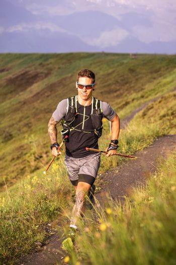 Christian Cantonati beim Trail Running auf der Schmittenhöhe ausgestatt von Dynafit