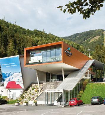 Bründl Sports Sportgeschäft direkt an der Liftstation - Schmittenhöhebahn <br/>
