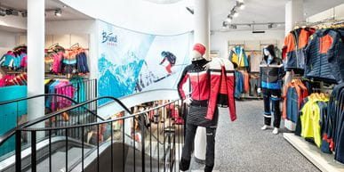 Bründl Sports Saalbach Life.Style - interior view - ski touring outfits as well as ski outfits for kids