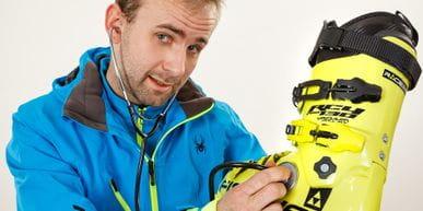 Fabian Stiepel with a skiing shoe
