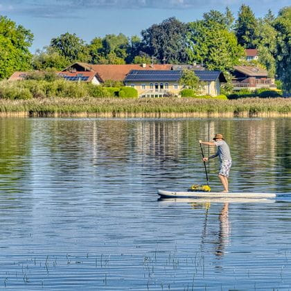 Stand up paddler See